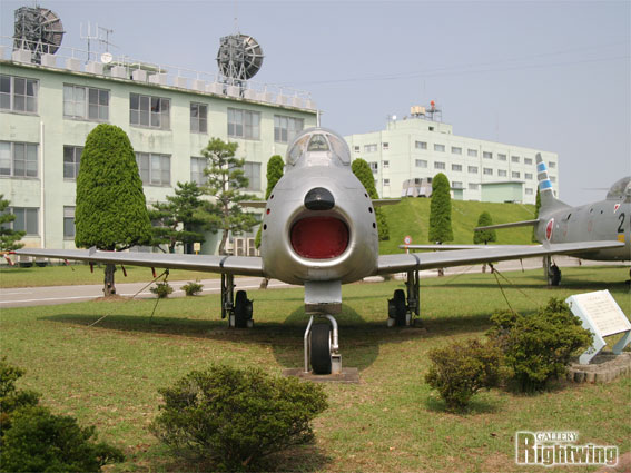 F 86 (戦闘機)の画像 p1_22