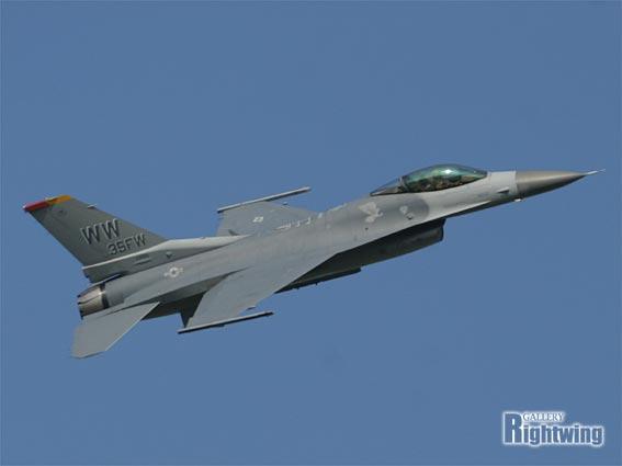 F-16C /Dファイティング・ファル...