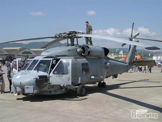 SH-60B シーホーク 対潜ヘリコプ...